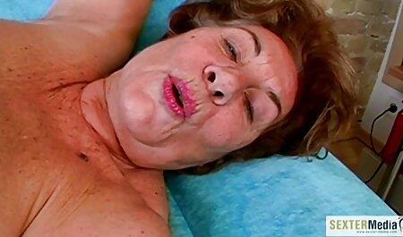 温泉レズビアンのベッド 女の子 の ため エロ 動画