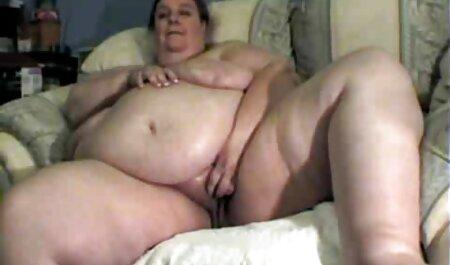 セクシーなお母さんは誘惑に屈しました 女の子 の ため の エロ 動画